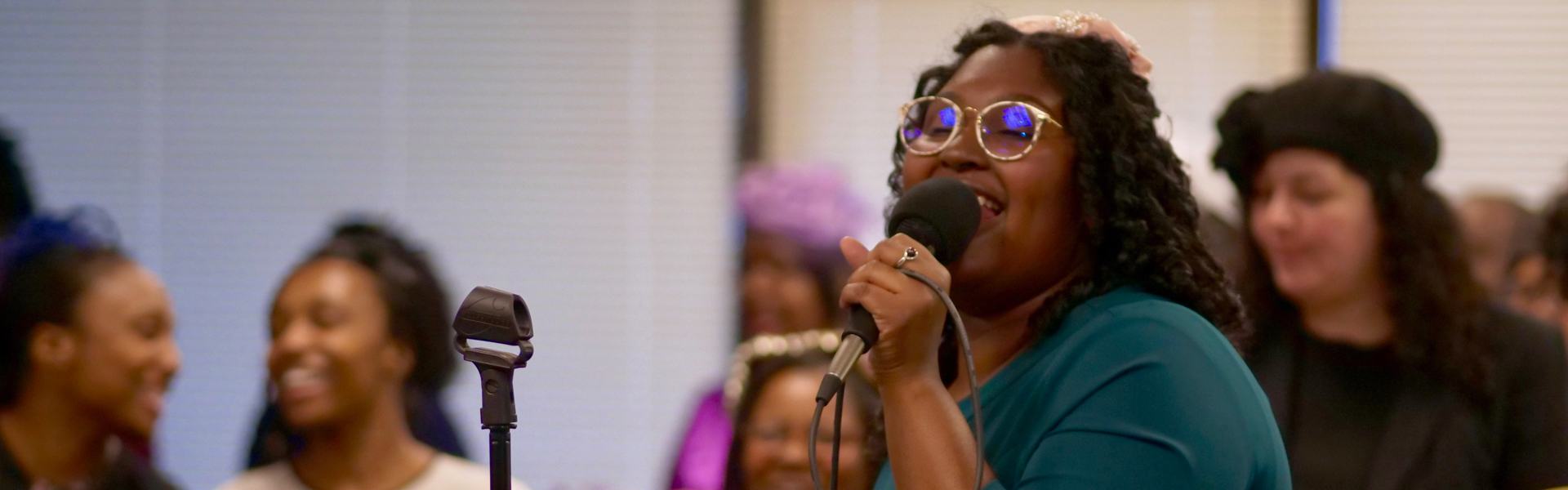 sister-singing-at-apostolic-church